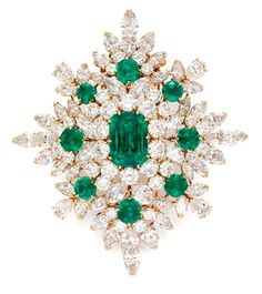Van Cleefs Arpels magnificent emerald and diamond brooch (1967), Simon Teakle, Connecticut (HKD 4,653,442).