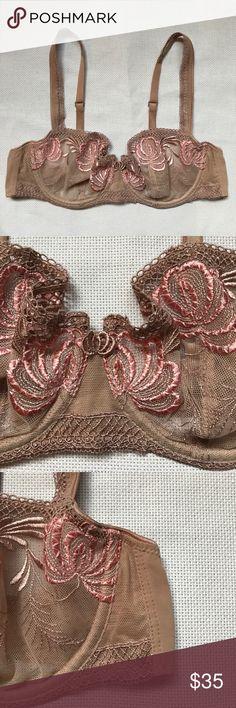 Chantelle nude floral bra 38B Excellent condition clean Chantelle Intimates & Sleepwear Bras
