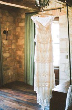 break away from the boring | dress (via oncewed)