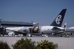 231ag - Air New Zealand Boeing 767-300; ZK-NCG@LAX;26.04.2003 by Aero Icarus, via Flickr