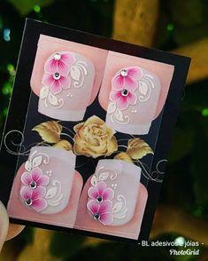 Modelo da semana, rs 😍❤️💅 3d Nails, Manicure, Flower Art, Lily, Nail Art, Flowers, How To Make, Instagram, Pasta