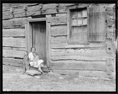 Home of Alfred Bledsoe on Clear Creek Road near Loyston, Tennessee. This cabin is about one hundred years old, October 1933 Tennessee Valley Authority, Log Cabin Living, Best Dslr, Still Picture, One Hundred Years, Photo Maps, American Red Cross, Great Depression, National Archives