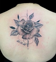 #tattoos #tattoo #tattooideas #tattoostudio #inked #inklove #tattoolove #flowers #flower #flowertattoo #rosentattoo #blumenliebe #rückentattoo #tattoorosenheim #tattooraubling #tattoobadaibling #tattoomünchen