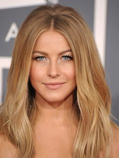 Julianne Hough Hairstyles - February 12, 2012 - DailyMakeover.com