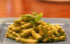 This sounds yummy! The best dinner ever: Organic Avocado Pesto Penne!  This plant based meal contains lots of fiber, vitamin A, b6, K, protein and potassium! Along with many antioxidants and phytonutrients.  I used Gluten-Free Brown Rice Penne, so this mean is Gluten-Free, Soy-Free, Vegan, & completely healthy! Full recipe here: http://vegweb.com/recipes/avocado-pesto  #HealthySkinChallenge #Beauty #Wellness #Nutrition #Health #Motivation #Skincare