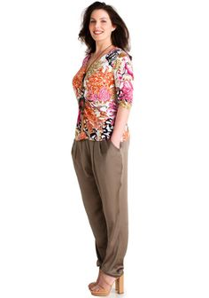Ommellut housut SK 4/13 Capri Pants, College, Patterns, Sewing, Womens Fashion, Diy, Block Prints, Capri Trousers, University