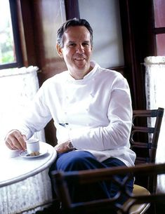 1995: Thomas Keller After taking over the French Laundry the year before, the relatively unknown Keller transformed the Napa Valley restaurant with a nine-course tasting menu, expert service, and elegant new decor (spending the then-enormous sum of $1.2 million in the process). Keller's formula—local ingredients cooked with an inventive French hand, Michelin-style exclusivity and service, http://www.epicurious.com/articlesguides/bestof/toplists/bestchefs_thomaskeller#ixzz2aEl7DWO7