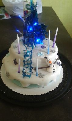 Frozen castel & Olaf cake