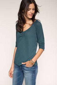 edc - Shirt met ronde hals en pluizig effect kopen in de online shop