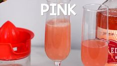 Pink Lemonade Vodka Punch - Shake Drink Repeat Dirty Martini Recipe, Martini Recipes, Alcohol Drink Recipes, Whiskey Cocktails, Champagne Cocktail, Coffee Shake, Iced Coffee, Pink Lemonade Vodka, Cookies And Cream Milkshake