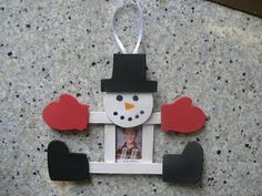 Snowman picture frame ornament ..Popsicle sticks and craft foam