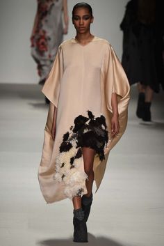 Central Saint Martins Fall 2015 Ready-to-Wear Fashion Show - Designer: Matty Bovan