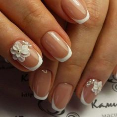 Here are cute, quirky, and incredibly unique french nail art design ideas for your inspiration! You can check also french tip nail designs with glitter and french tip nail designs for short nails. French Nails, French Manicure Nails, White Tip Nails, Striped Nails, French Tip Nail Designs, Nail Art Techniques, Nagel Hacks, Luxury Nails, Nail Accessories