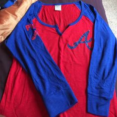 """TEAM """"VS"""" PINK LOW CUT TEE """"BLING"""" ATLANTA BRAVES Have on the perfect push up bra AND THIS SHIRT IS AWESOME Tops Tees - Long Sleeve"""