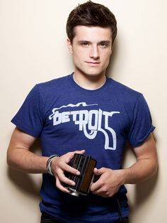 josh hutcherson josh-hutcherson Especially love the smoking gun Detroit shirt...ahhhhhhhhhhhh !!!!!!!!!!!!! I love youuuuu