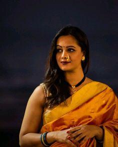 Stunning gorgeous and attractive Indian Natural Beauty, Indian Beauty Saree, Beautiful Saree, Beautiful Outfits, Marathi Nath, Marathi Bride, Indian Girls, Indian Ethnic, Saree Photoshoot