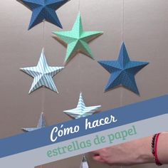 Cómo hacer estrellas de papel These paper stars are super simple and look very beautiful, you can be the perfect decoration for your room or they are a very good gift option. Handmade Christmas Decorations, Christmas Paper, Christmas Crafts For Kids, Xmas Crafts, Simple Christmas, Christmas Ornaments, Origami Wall Art, Paper Crafts Origami, Paper Crafting