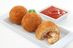 Potato and Sago Balls is a delicious Indian recipe served as a Snacks. Find the complete instructions on Bawarchi Snack Recipes, Snacks, Fritters, Indian Food Recipes, Muffin, Potatoes, Breakfast, Balls, Beignets