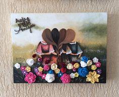 AMIZADE – Tela 30x40cm, em MDF, découpage com pintura, flores de crochet e chatons.