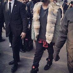 streetstyle #kanywest #pfw #mensstyle