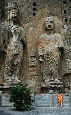 Longmen Grottoes, Luoyang, Henan, China (UNESCO WHS) Caves carvings statues vary from to 10 m in height, beginning from 493 BC continued by the Tang when Buddhism flourished.statues were defaced during the revolution. Luoyang, Wonderful Places, Beautiful Places, Places Around The World, Around The Worlds, Places To Travel, Places To Go, Beau Site, Little Buddha