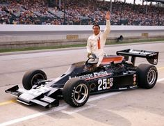 1977 - Danny Ongais' (#25) Parnelli VPJ6B - Qualified: 7th, Speed (193.040 mph) Finished: 20th, Header, Lap 90.
