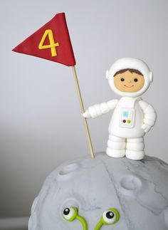 Space Cake Rocket Birthday Parties, Alien Cake, Rocket Cake, Planet Cake, Bolo Mickey, Dessert Oreo, Astronaut Party, Foundant, Cake Topper Tutorial