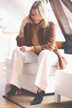 Suede jacket from Lexington. Bell Sleeves, Bell Sleeve Top, Suede Jacket, Jackets, Outfits, Tops, Women, Fashion, Suede Moto Jacket