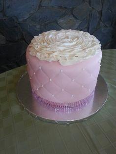 #birthdaycake #birthday #cake #cakedecorating #cakeart #artdeco #shabbychic