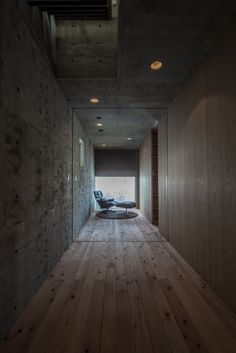 L House / Florian Busch Architects espejo piso madera