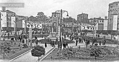 Cumhuriyet'in 10. Kuruluş Yıldönümü olan 1933 yılında, Taksim'deki kutlama hazırlıkları.
