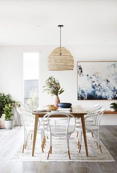 Such a pretty dining room and love the details