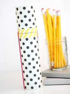 Help them make this mail tube pencil case. 23 DIYs To Try With Your Kids Before School Starts School Pencil Case, Diy Pencil Case, Summer Crafts, Fun Crafts, Diy And Crafts, Pencil Bags, Pencil Pouch, Diy Back To School, Diy School