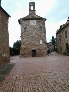 Sovana, a small and old town in Maremma, Tuscany, Italy. 42°39′26″N 11°38′47″E