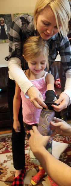 Holiday Miracle – 3D Printed Myoelectric Arm Allows Girl to Hug Family for First Time http://3dprint.com/30595/3d-printed-myoelectric-arm-2/