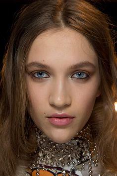 20 maneras de maquillarse los ojos para el día