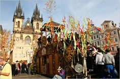 Visiting Prague at Easter was fantastic. Loads of hand painted easter eggs, colourful streamers and festive markets just added to the party atmosphere.
