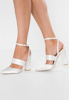 65342f95ada2 117 Best Wedding Shoes images in 2019