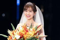 Crown, Lady, Fashion, Moda, Corona, Fashion Styles, Fashion Illustrations, Crowns, Crown Royal Bags