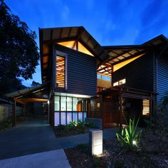 Small sustainable design on North Stradbroke Island – Sustainable Architecture with Warmth & Texture Environment Design, Built Environment, Point Lookout, Stradbroke Island, Base Building, Architecture Design, Beach Shack, Design Competitions, Prefab