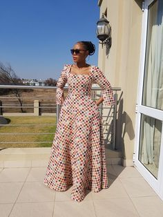 Like the style of the dress #Africanfashion