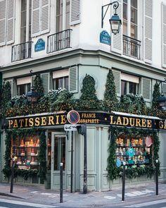 Paris ♠ photo by (@_aya.lulu_) su Instagram