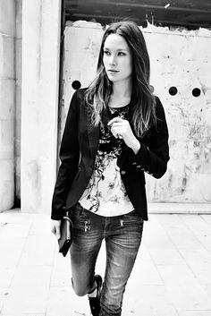 Adele Flower Top / Dolce Blazer / Berlin Zip 7/8 Jeans / Mos Mosh S14, boutique Loula Bee Liège