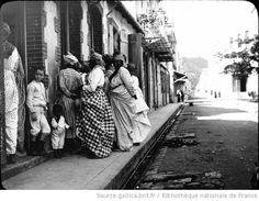 Martinique. Un groupe de femmes à Fort-de-France (1895) / [photogr.] Salles ; [photogr. reprod. par Molténi?] - 1