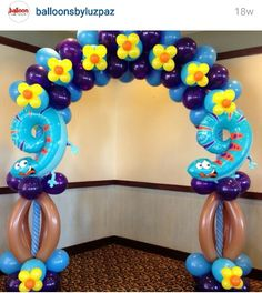 nice balloon arch..... to complicated......