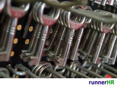 """7 Keys to Make a Creative Team Successful"" Source : http://www.gethppy.com/leadership/7-keys-make-creative-team-successful #runnerHR #Successful #Team"
