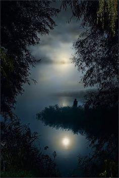 Obrigado Senhor por mais um dia, nas tuas mão entrego a minha noite por que sei que o Senhor tem cuidado de mim.