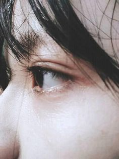 Korean Boys Ulzzang, Ulzzang Couple, Medium Hair Styles, Short Hair Styles, Ulzzang Short Hair, Crying Girl, Silhouette Photography, Aesthetic Eyes, Boy Photography Poses