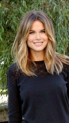 Medium Hair Styles, Curly Hair Styles, Hair Color And Cut, Shoulder Length Hair, Gorgeous Hair, Beautiful, Great Hair, Hair Today, Balayage Hair