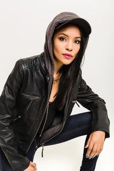Dámska čierna koženková bunda s kapucňou Leather Jacket, Jackets, Fashion, Studded Leather Jacket, Down Jackets, Leather Jackets, Moda, La Mode, Jacket